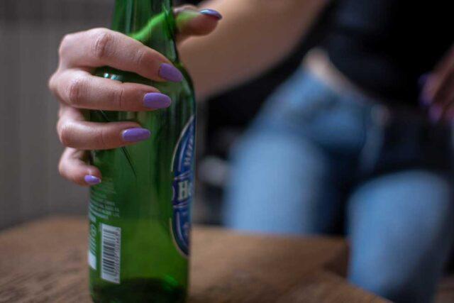 Alkohol a cera i paznokcie