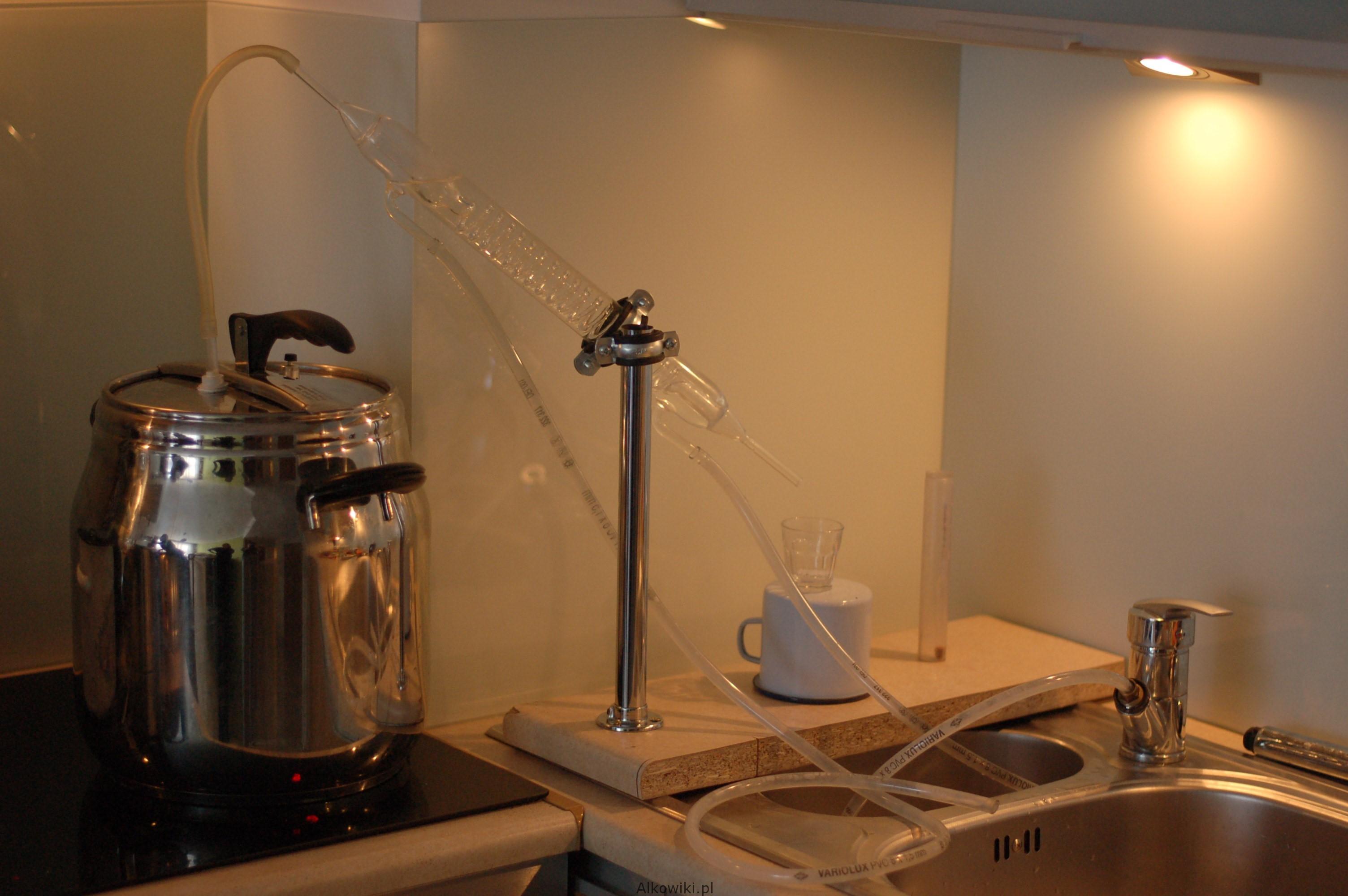 aparat destylacyjny do produkcji rumu